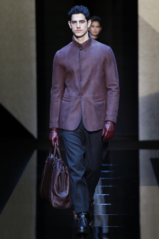 c6c18a18c7f Giorgio Armani Fall 2017 Menswear Collection Photos - Vogue