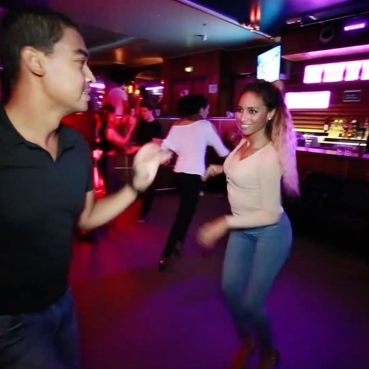 "Gefällt 296 Mal, 2 Kommentare - @socialdancetv auf Instagram: ""Salsa dancing 😊 Dancers: Freddy & Bersy Page: @bersycortez Video credit: Star Mambo Video #salsa…"""