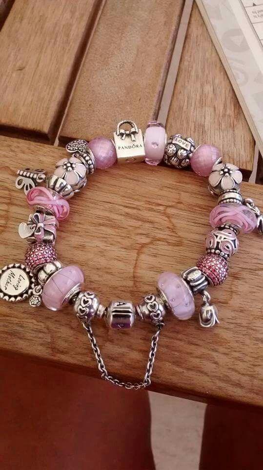 bracciale pandora con ciondoli rosa