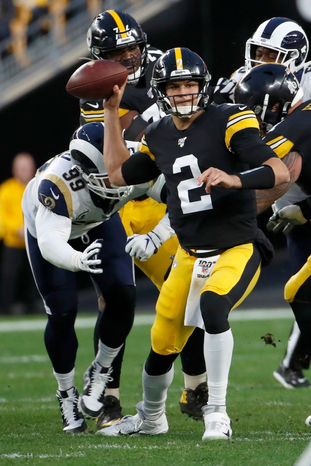 Game Center Rams trail Pittsburgh Steelers in fourth
