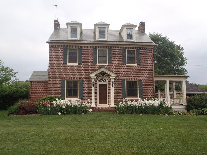 OldHouses.com - 1927 Colonial - Tisinger Mansion in Mount Jackson, Virginia