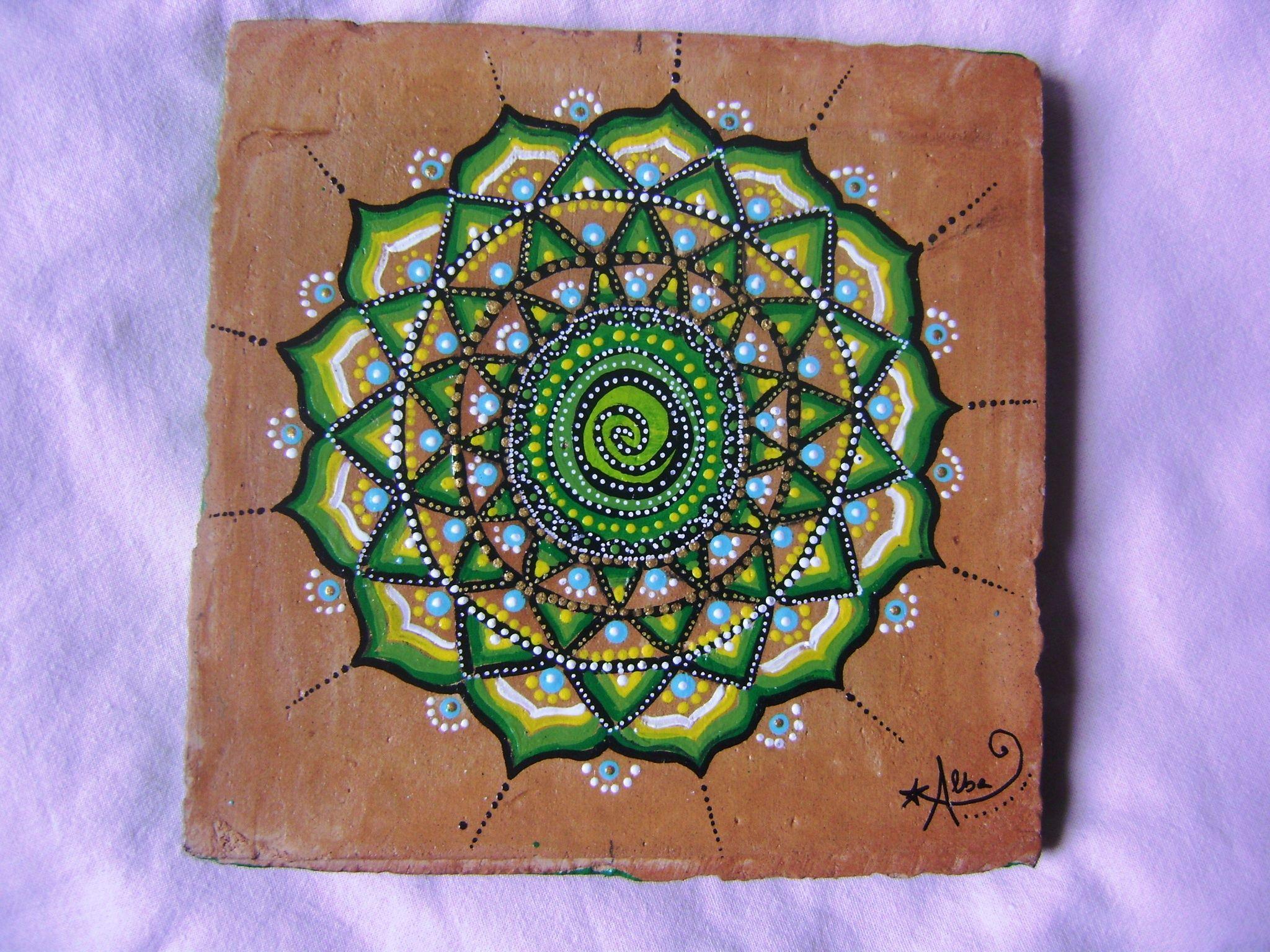 Pittura Su Piastrelle Di Ceramica : Mandala su terracotta piastrelle dipinte a mano pinterest