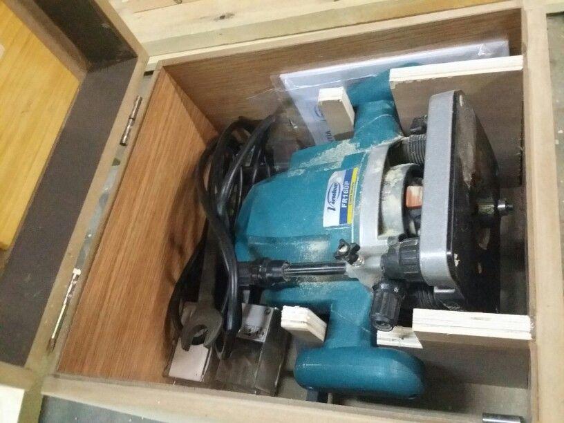 Reciclando DM. Una caja para Fresadora de Mano.