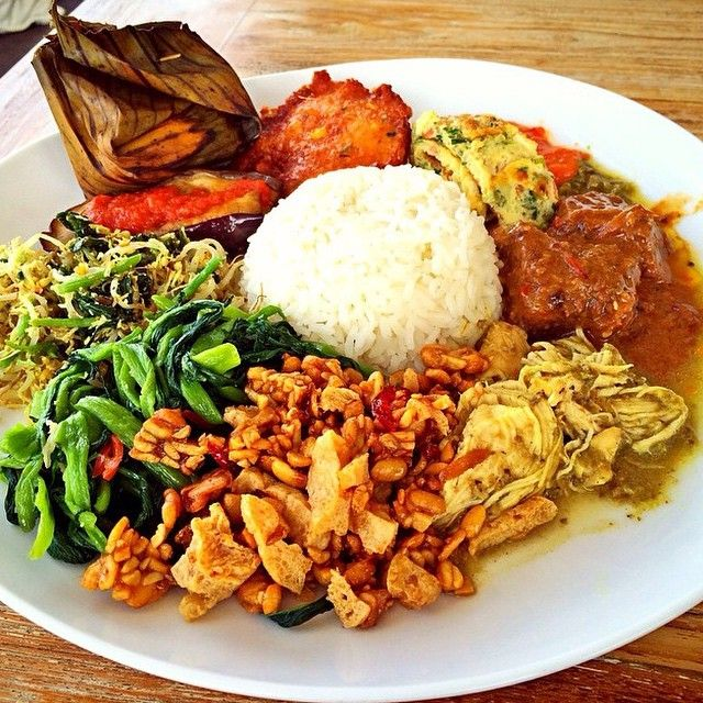 10 nasi campur in bali that will smack your tongue!   recettes