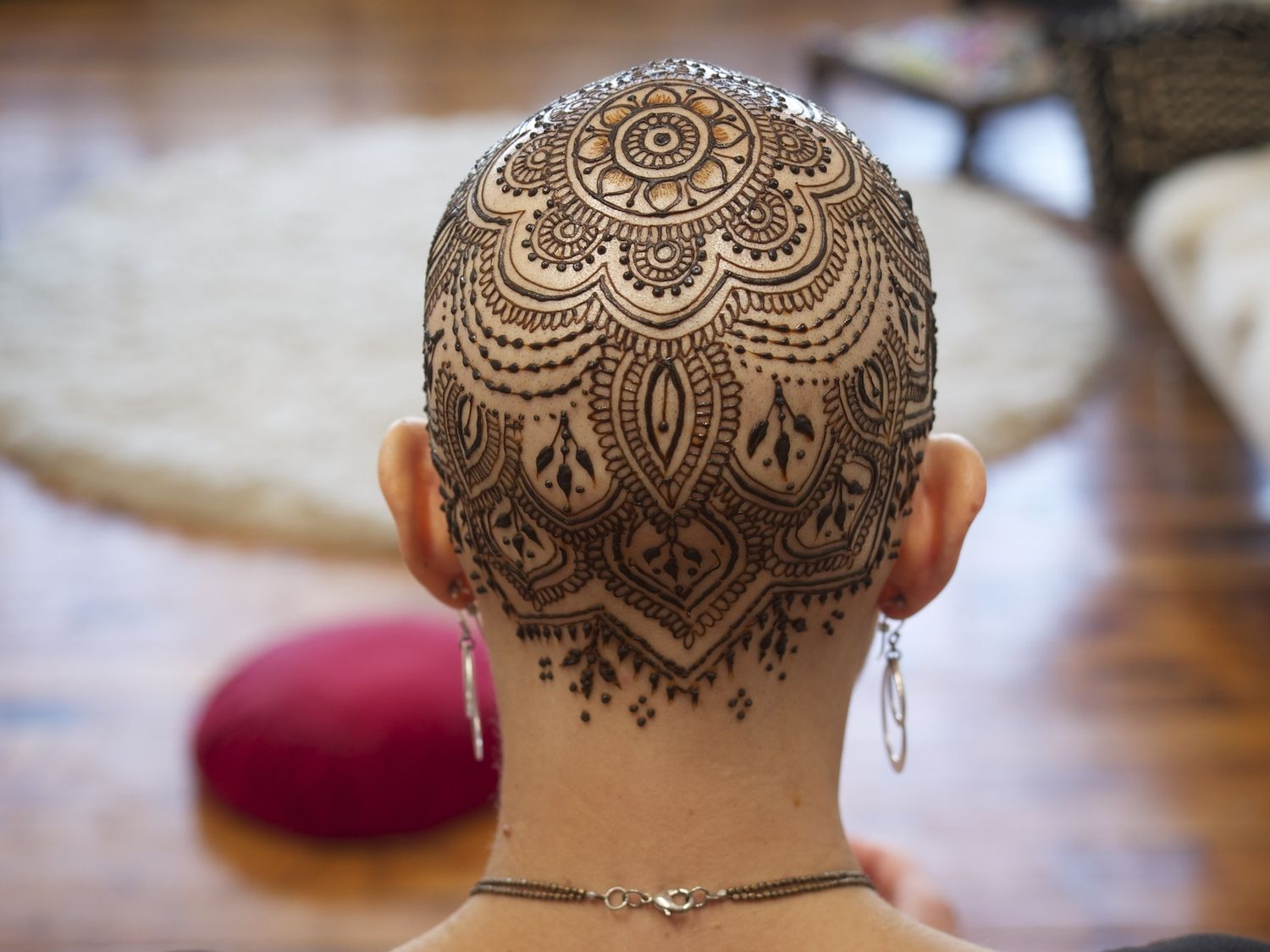 Mehndi For Head : Henna crowns for chemotherapy patients and alopecia sufferers