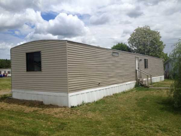 Redman Mobile Home For Sale In Liverpool Ny Mobile Homes For Sale Trailer Home Mobile Home