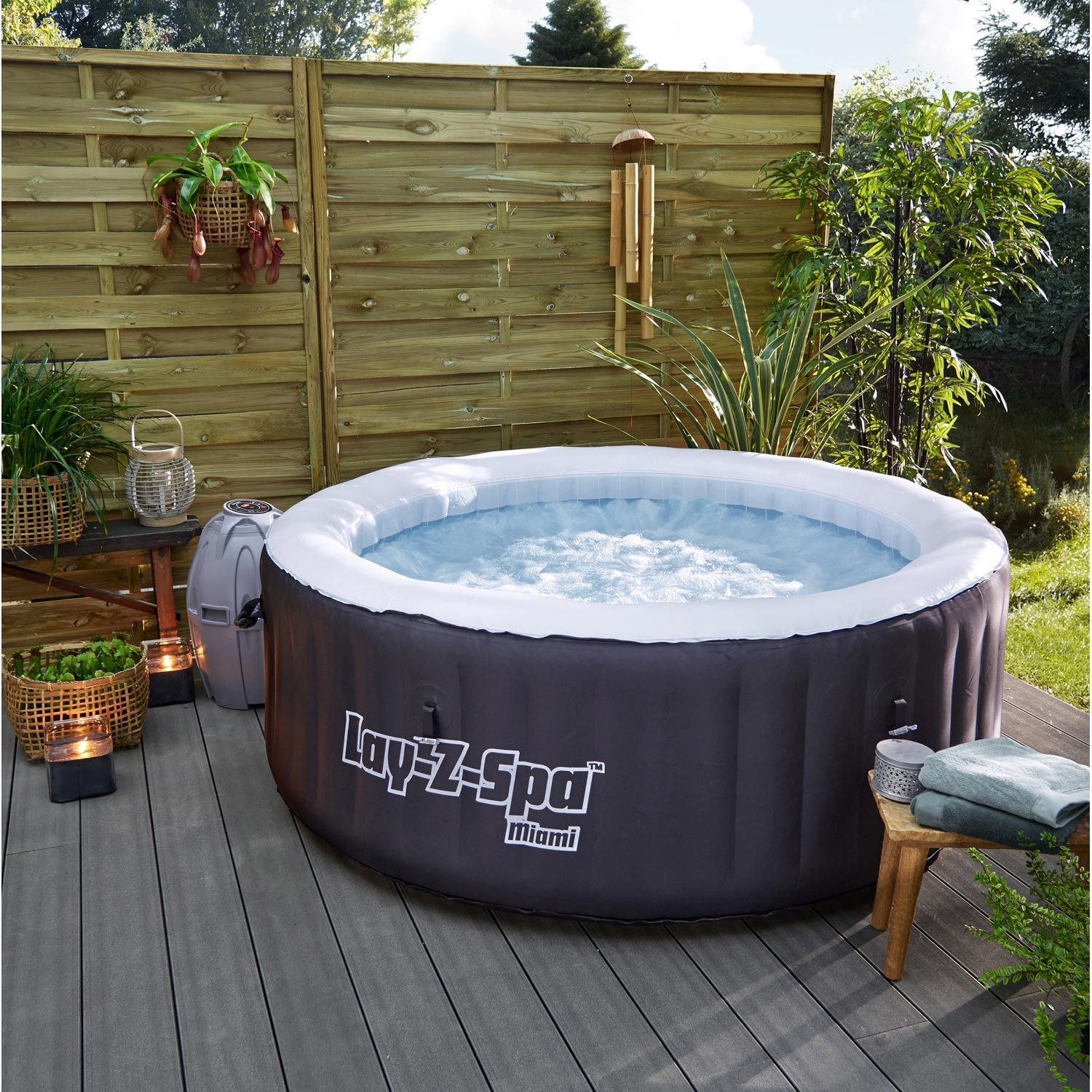 Amenagement Spa Gonflable Interieur desjoyaux | spa gonflable, jacuzzi gonflable, jacuzzi