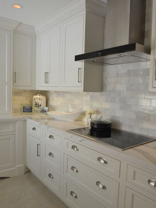 400 With Subway Tile Kitchen With Marble Floors Design Ideas U0026 Remodel  Pictures | Houzz