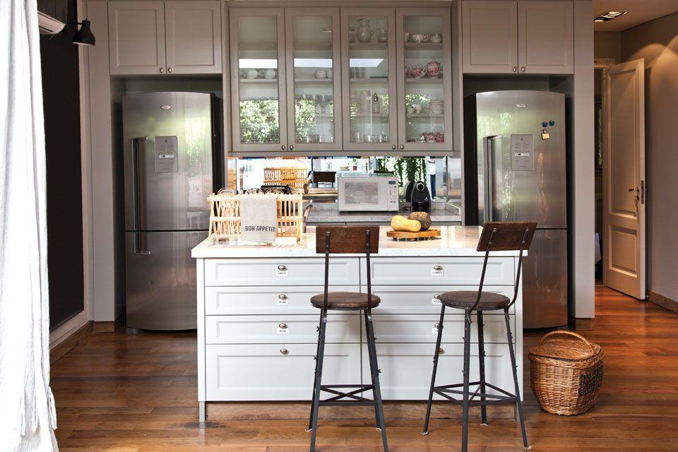 Seis opciones para una isla en tu cocina piso de madera - Banquetas para isla ...