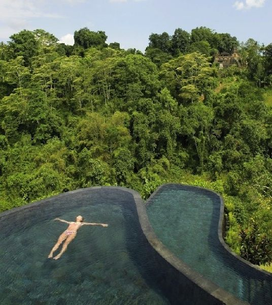 Hanging infinity pool in Bali