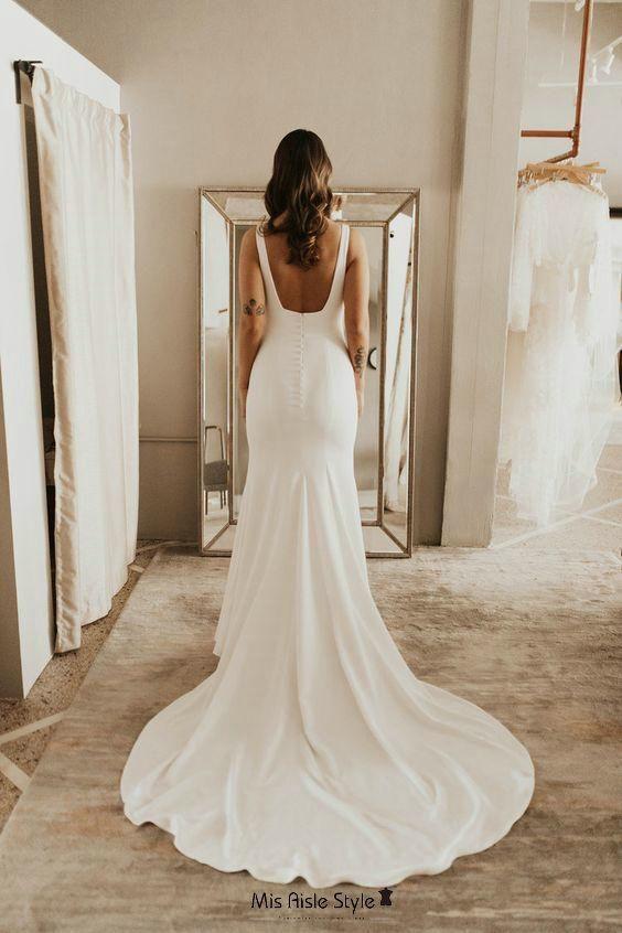 Vestido de novia ajustado con escote cuadrado  – Boda