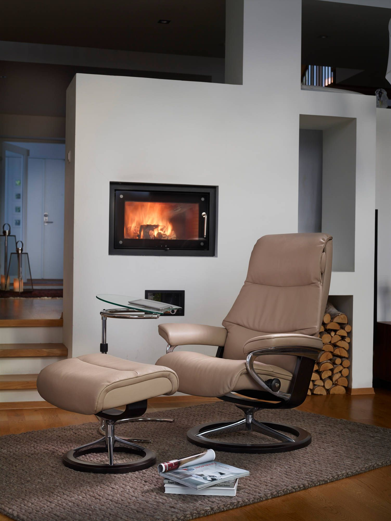 Stressless consul small chair and stool in batick leather - Stressless View Recliner In Cori Leather Color Beige With Signature Base Wood