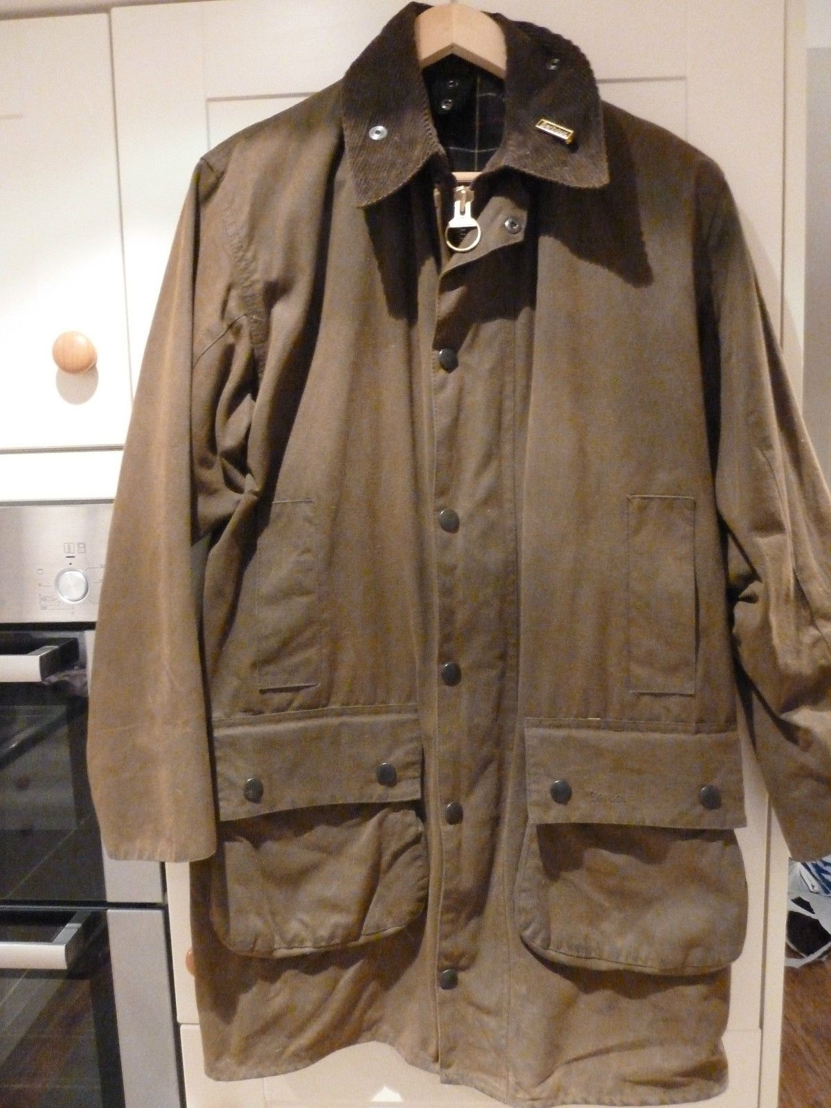 Barbour Classic Northumbria Waxed Jacket Olive long C36