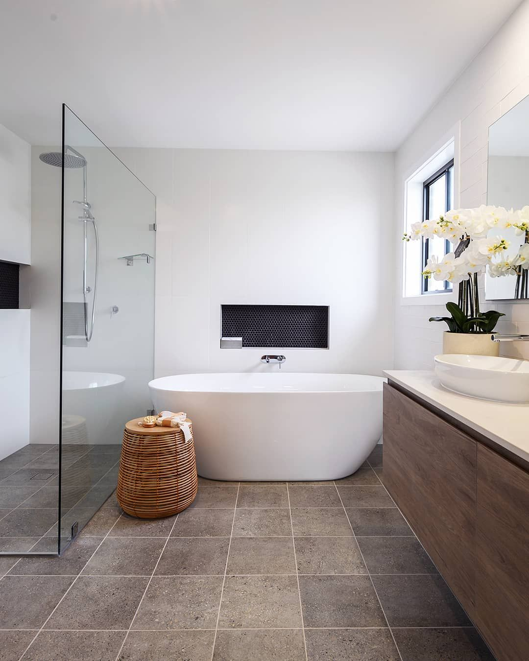 Reece Bathrooms On Instagram We Love The Layout Of This Bathroom In Box Hill Nsw Packed In A Clever Desig In 2020 Bathroom Layout Main Bathroom Ideas Reece Bathroom