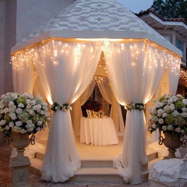 Beautiful Wedding Decoration Ideas: Beautiful Back Yard Entrance Wedding!