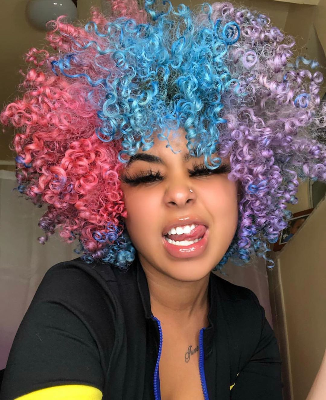 """UnicornCurls.com🦄 on Instagram: """"Fun with temporary Color!! 🌈🌈🌈🌈 Tag a Friend that would wear these Bold colors ?! 💙💚💛🧡❤️💜 credit @rassssta • •  #Naturalcurlyhair…"""""""