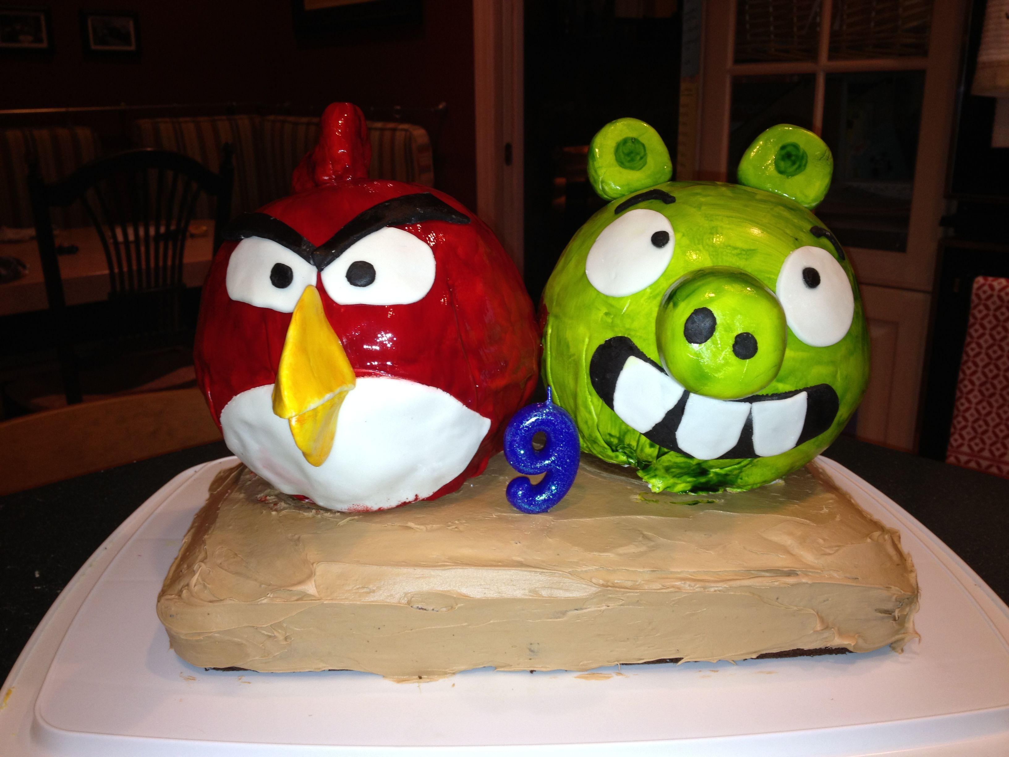 Coolest Angry Birds Birthday Cake... This website is the Pinterest of birthday cake ideas