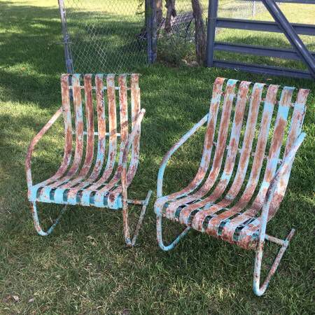 Mid Century Lloyd Vintage Metal Lawn Chairs See History At Www Midcenturymetalchairs Com Outdoor Rocking Chairs Vintage Outdoor Furniture Old Metal Chairs