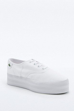 pretty nice 0060d 4b59e Lacoste Rene White Platform Trainers - Urban Outfitters Basket Lacoste,  Baskets Nike, Keds,