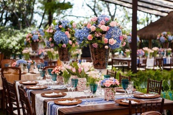 Hortênsias e rosas para casamento de dia