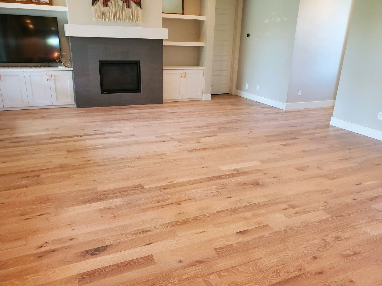 White Impact Oil On White Oak Hardwood In 2020 White Oak Hardwood Floors Custom Floor Flooring