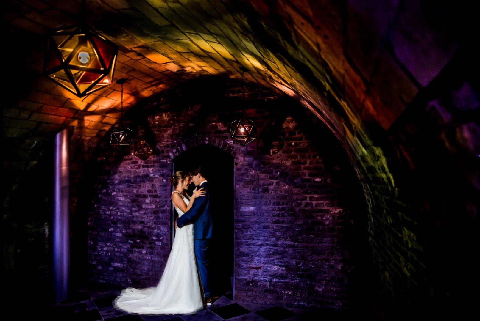 Spelen met licht en fotografie in kasteelkelder casello levert