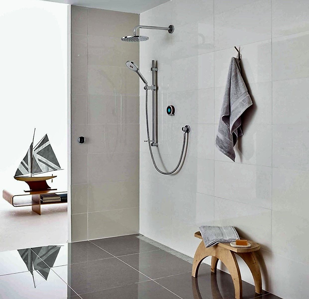 Extraordinary showering with the new Q smart shower from Aqualisa... It  features a unique water saving proximity sensor that decreases the water  flow when ...