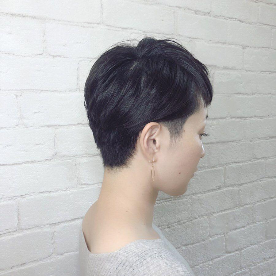 Pin Auf Short Hair