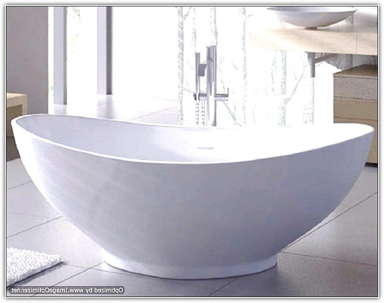 Free standing soaking tub
