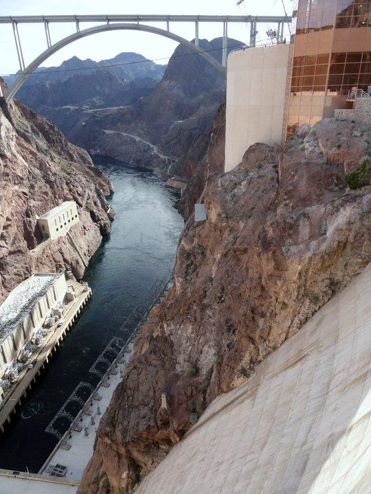 Hoover Dam,a concrete arch-gravity dam in the Black Canyon