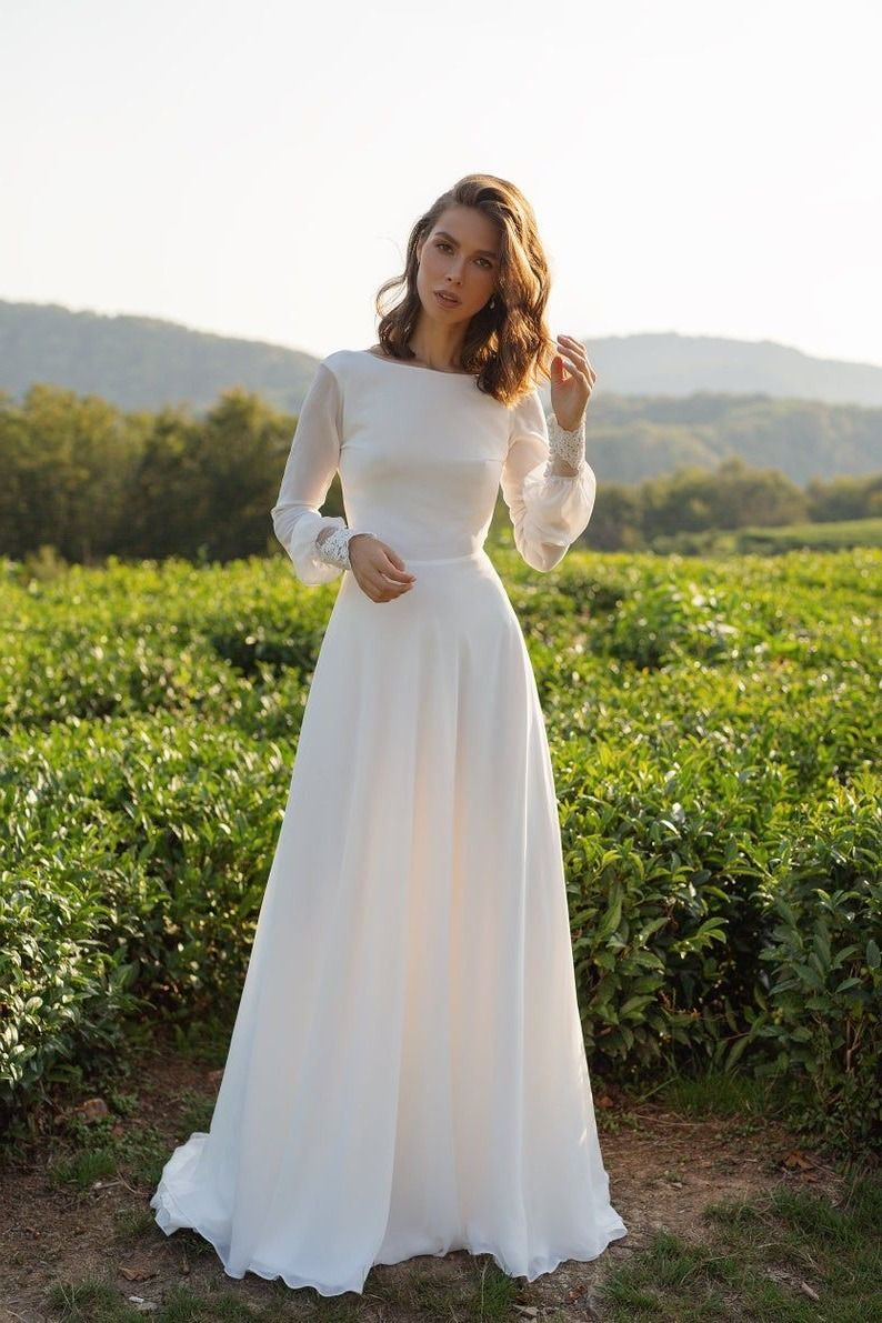16 The Best Etsy Wedding Dresses You'll Love