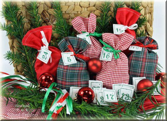 Adventskalender mit gestickten Zahlen grün rot von BlinniFashion Advent calendar numbers, christmas