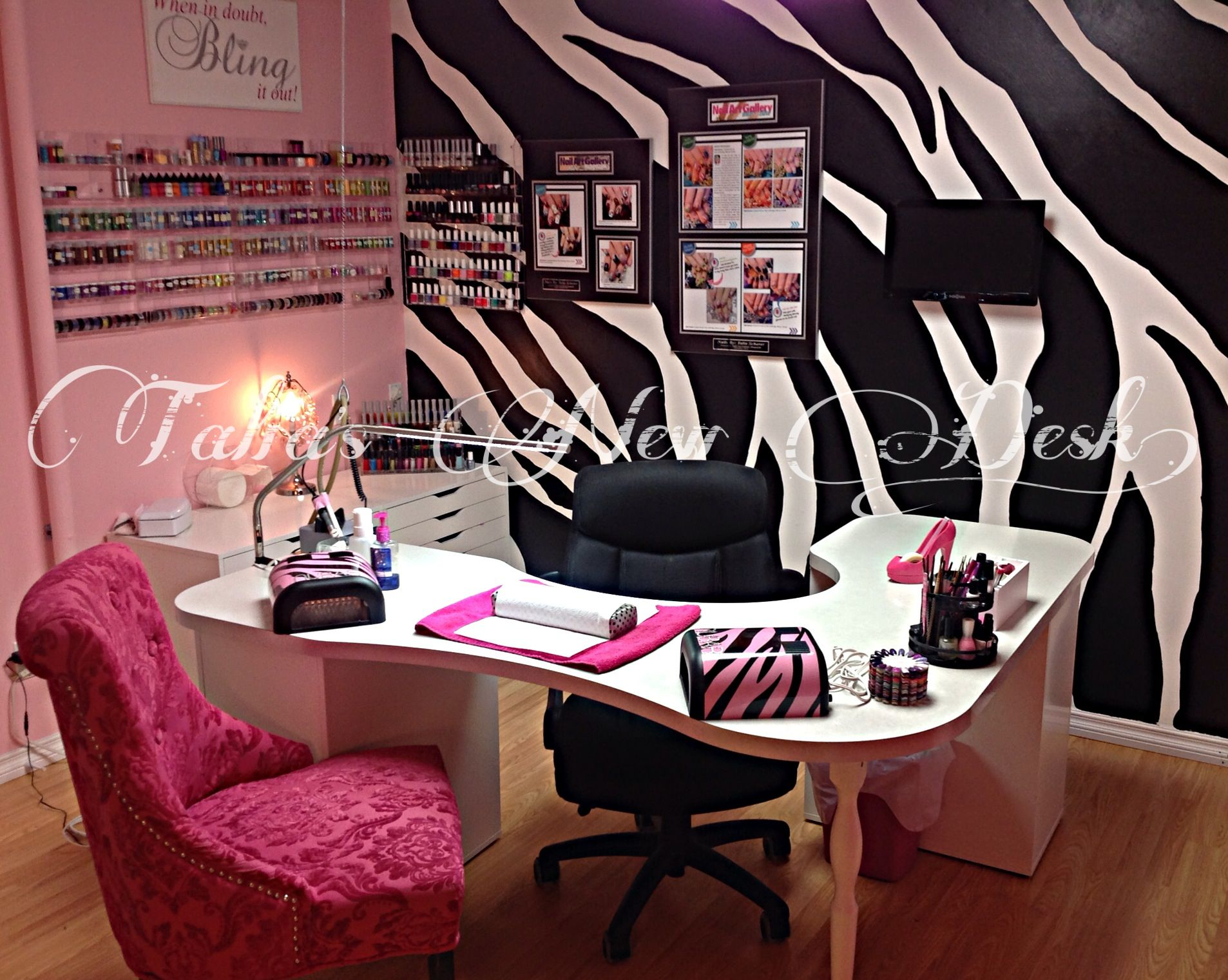 Best 25 nail station ideas on pinterest nail studio for Nail salon table