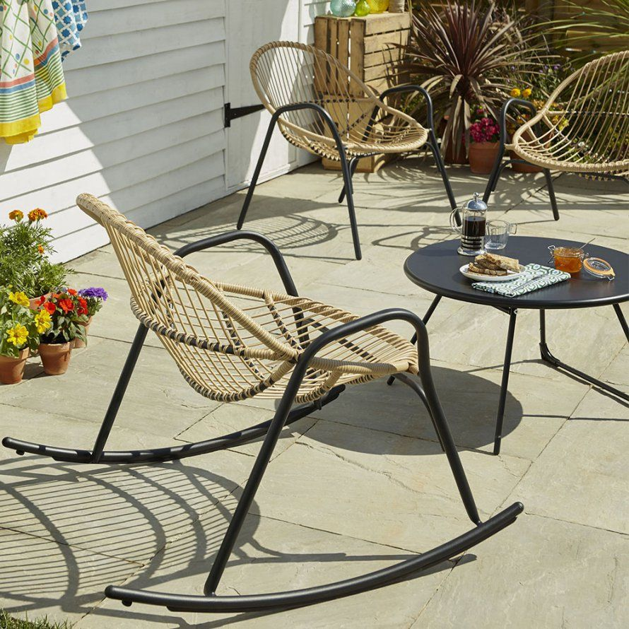 Un salon de jardin avec rocking chair, Castorama | Mobilier outdoor ...