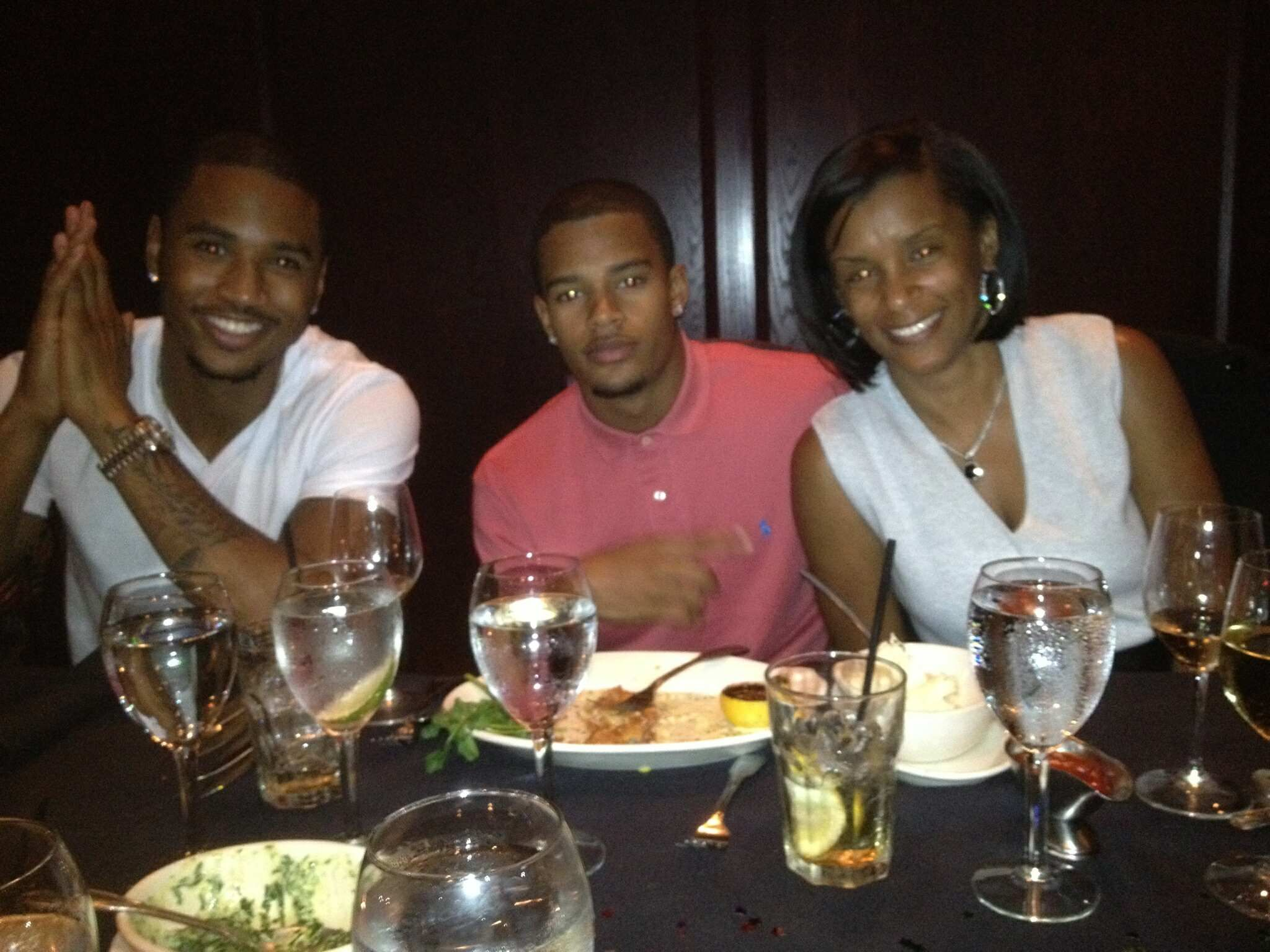 Trey songz his brother forrest their mom april spotlight trey songz his brother forrest their mom april nvjuhfo Gallery