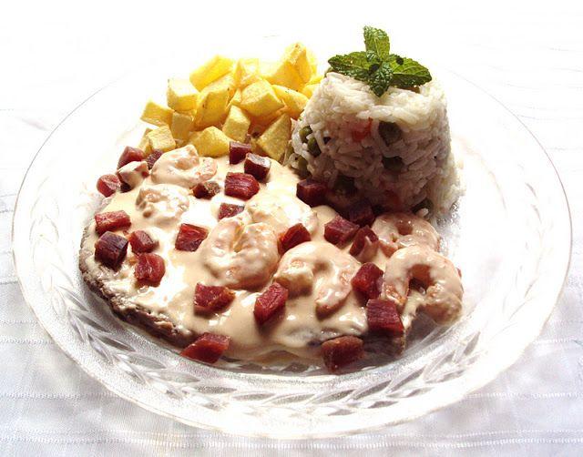 Nárwen's Cuisine: Bife em Molho Cremoso de Gambas e Presunto