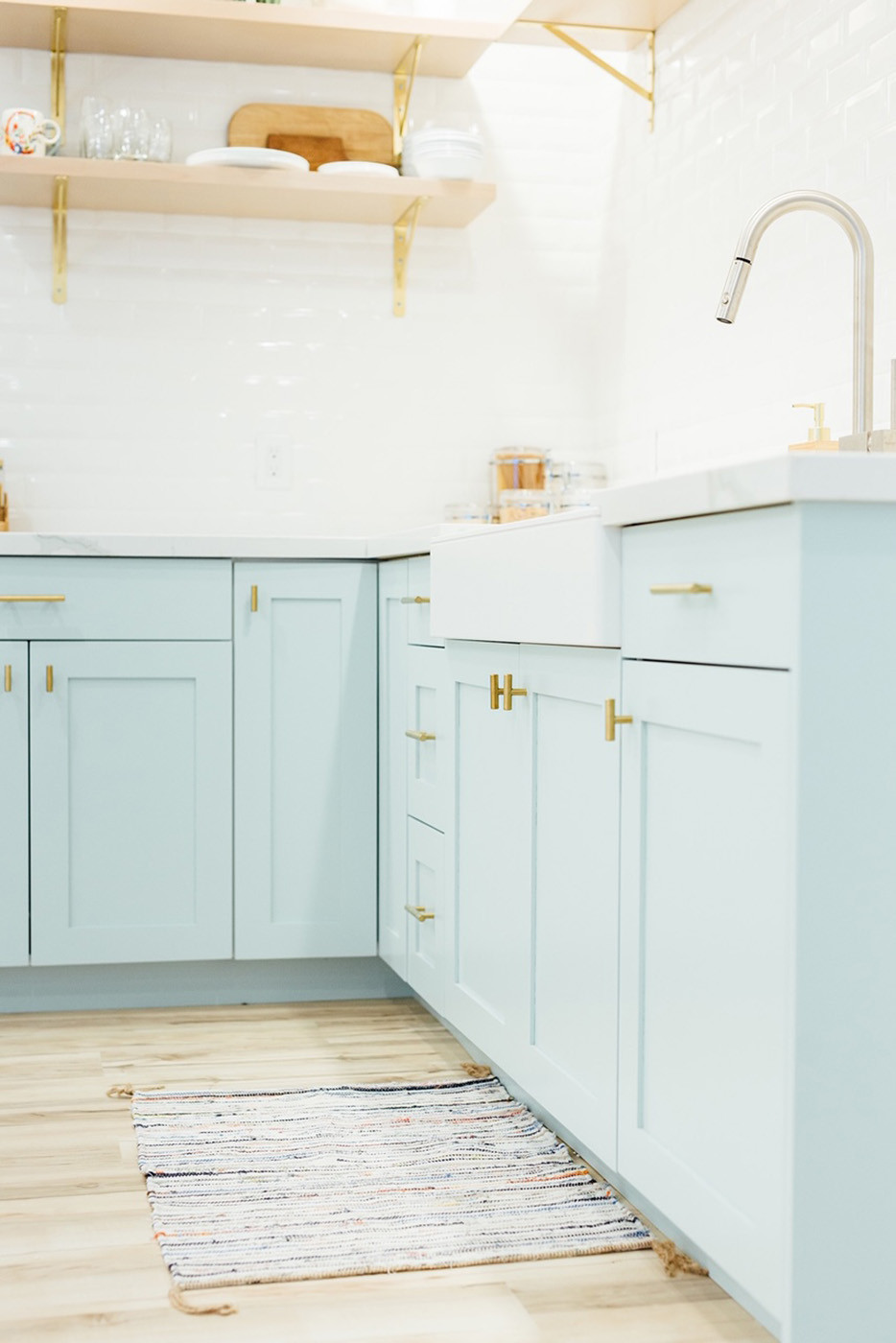 Upgrade Your Kitchen With These Cabinet Color Ideas Best Kitchen Cabinet Paint Painting Kitchen Cabinets Best Kitchen Cabinets