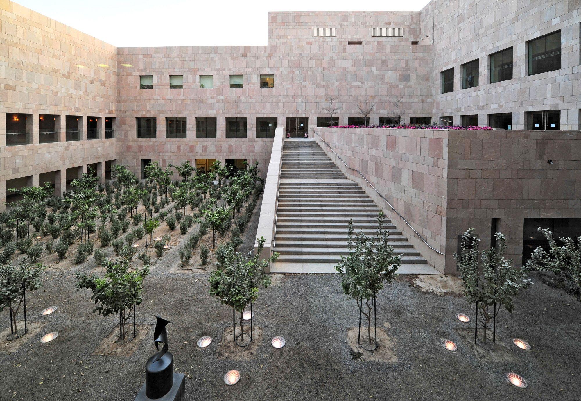 Gallery - Georgetown University School of Foreign Service / LEGORRETA + LEGORRETA - 10