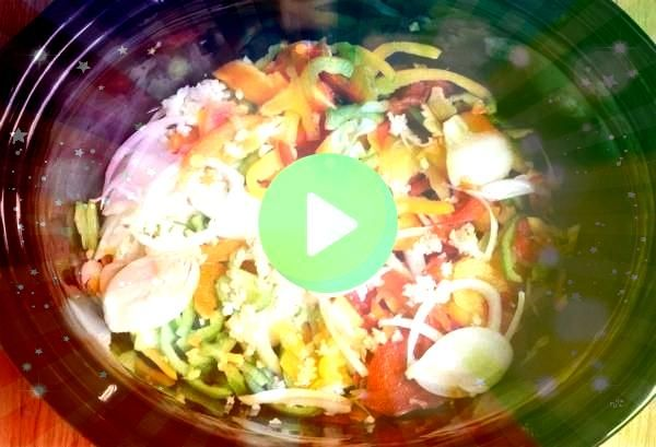 Cooker Chicken Fajitas Slow Cooker Chicken Fajitas make a healthy and easy dinner with plenty of chicken bell peppers onions and a homemade fajita seasoning mix Slow Cook...