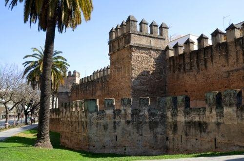 Resultado de imagen de murallas de sevilla