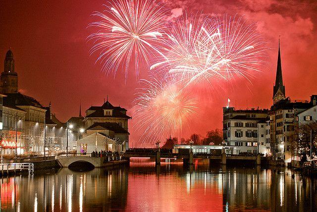 Zurich Switzerland New Year S Eve New Year Fireworks Fireworks New Years Eve Fireworks