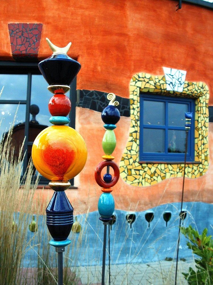 Hundertwasser architecture weingut detail totems for Architecture hundertwasser