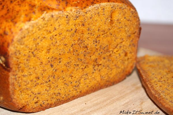 Tomaten-Mohn-Brot aus dem Brotbackautomat