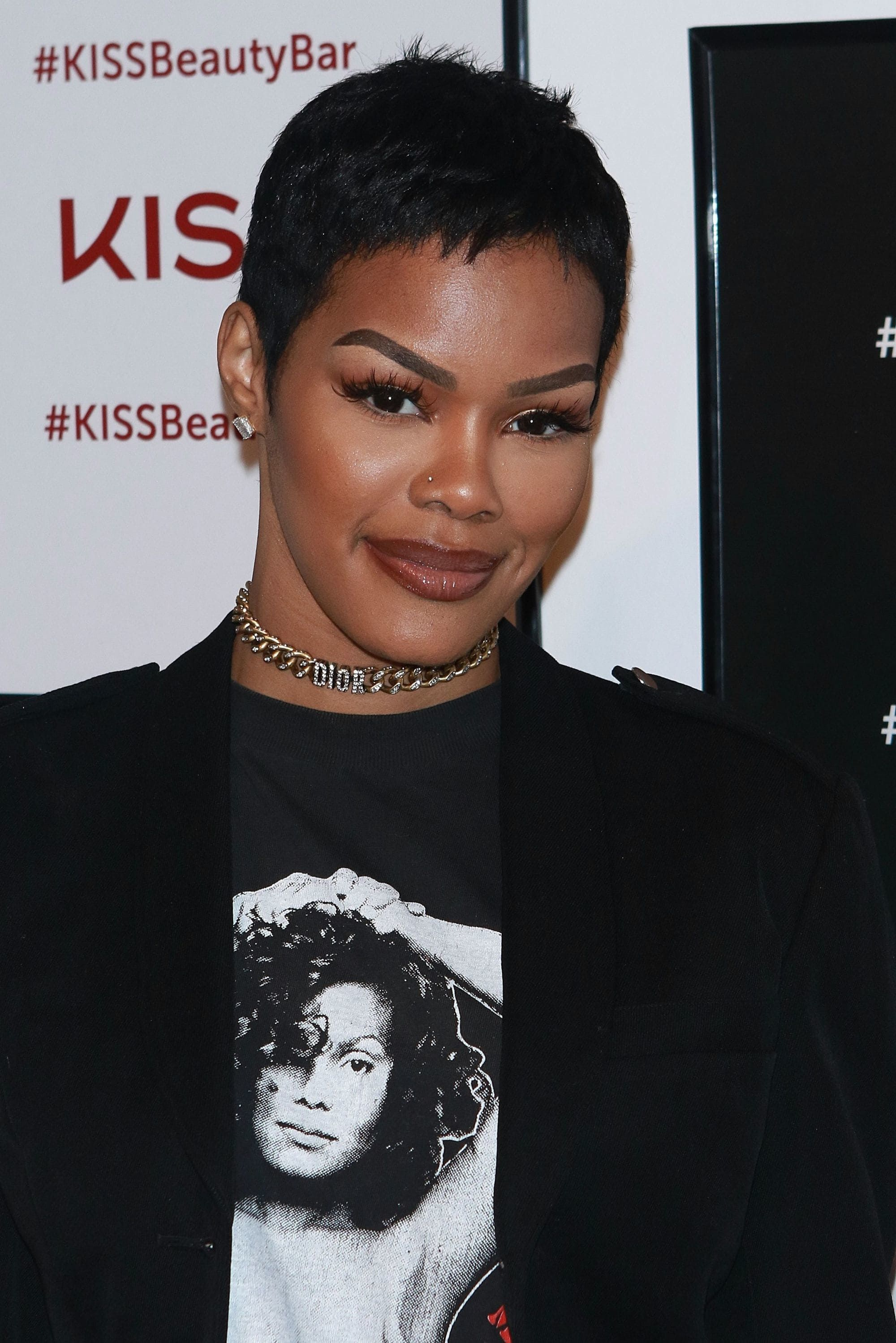 teyana taylor with short pixie haircut on the red carpet