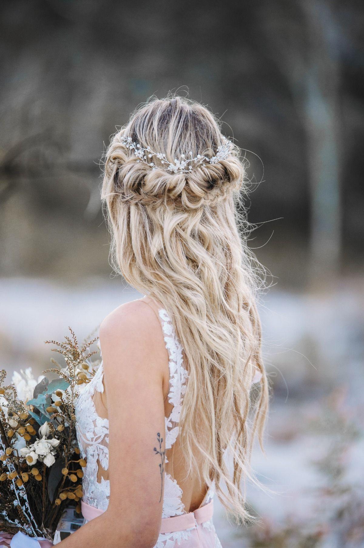 Winter Bridal Looks You Can't Help But Love Bride mermaid hair