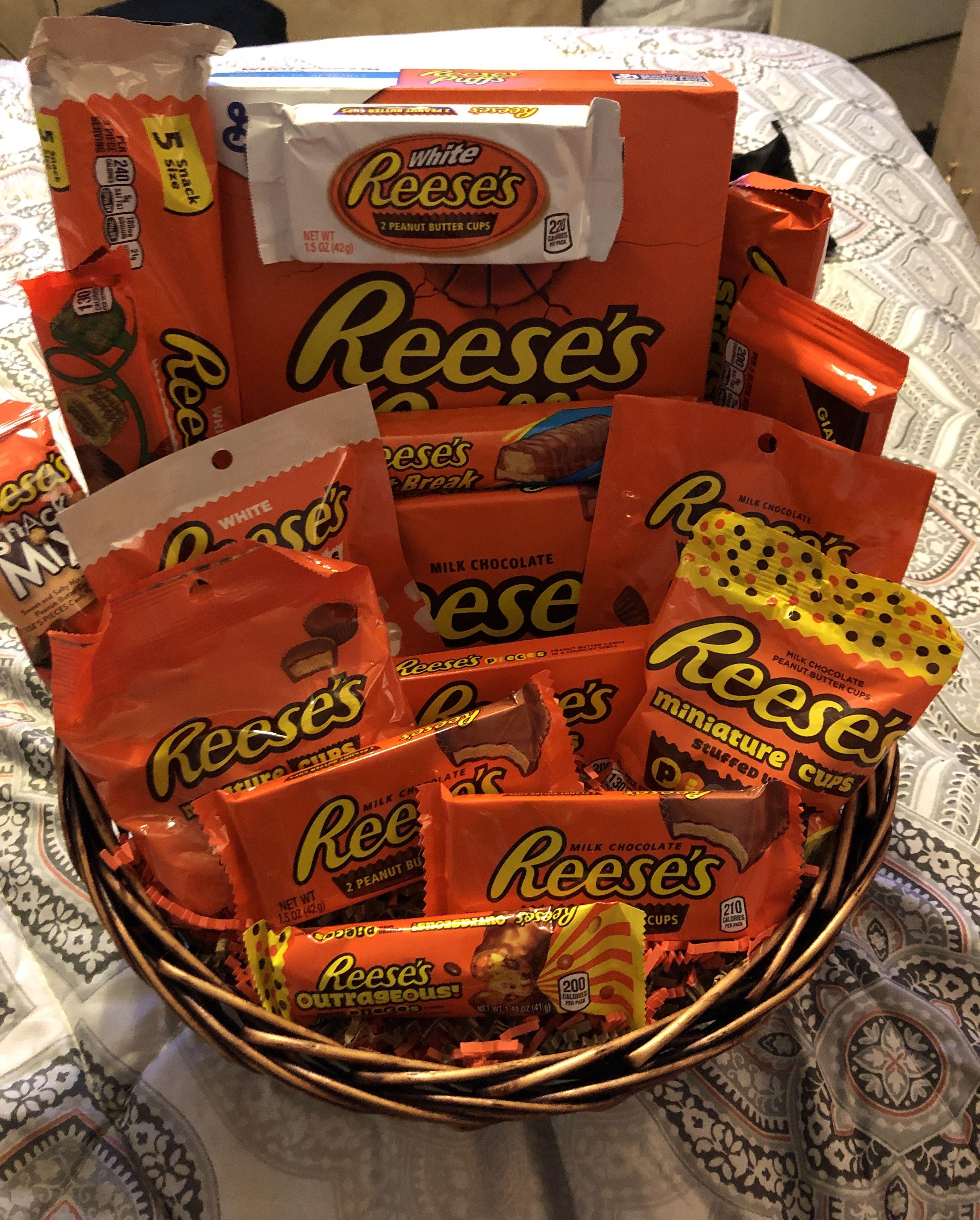 Reese's Gift Basket #boyfriendgiftbasket