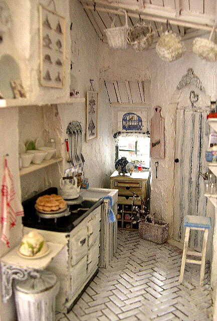 Dollshouses and Vignettes #miniaturekitchen
