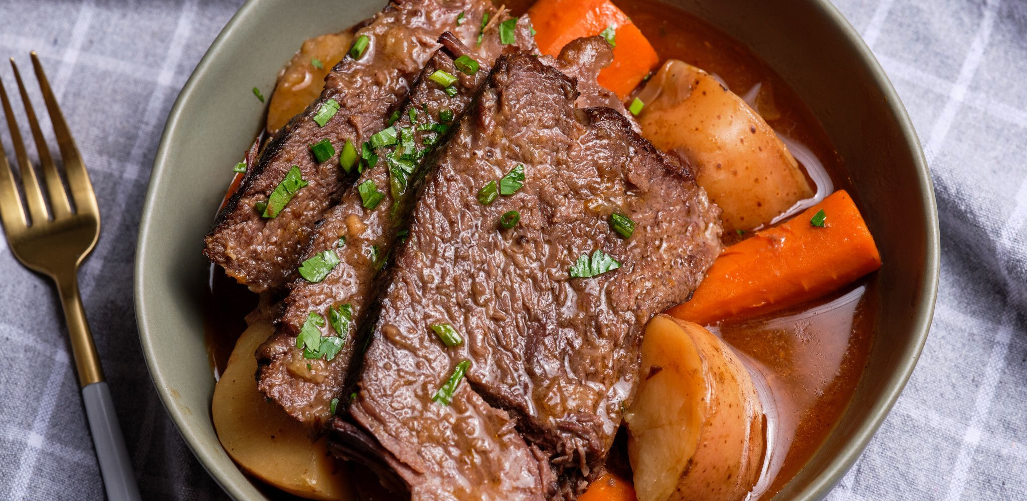 How to Make Beef Stew in a Crock Pot   Slow Cooker Beef Stew ...