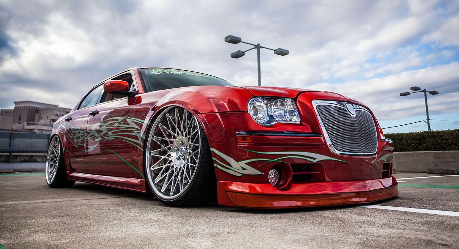 lexani wheels the leader in custom luxury wheels chrysler 300c with chrome cs monza wheels. Black Bedroom Furniture Sets. Home Design Ideas