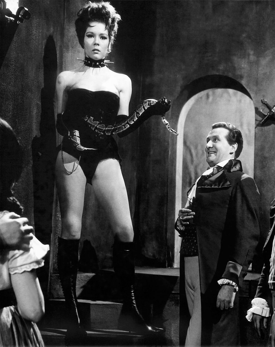 """undercontract: """" Special Guest Domme """" 